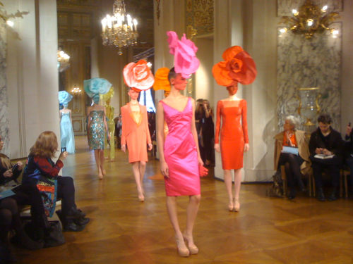 sarahaubel:  . Alexis Mabille  Checkout these head pieces