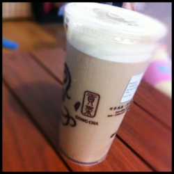 House Special Earl Grey Tea at Gong Cha (P95/large)  + rich tea taste + yummy 'rock salt and cheese' ish topping - taste a bit bland if not mixed well with the topping, so topping is a bit 'bitin'