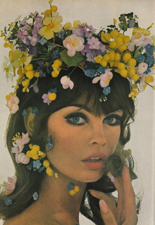 hollyhocksandtulips:  Jean Shrimpton Photo by Bert Stern, Vogue, 1965
