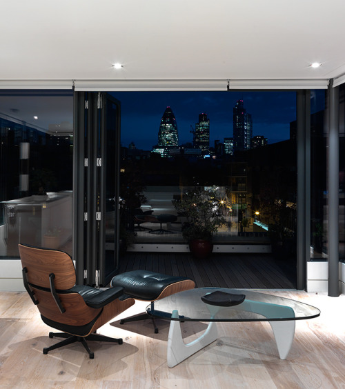 cjwho:  Turner Street by Threefold Architects ~ http://bit.ly/wUCFf4  This is the kind of scene I can imagine many Bentley owners enjoying, classic design, luxury setting, maybe add some fine whisky or wine? maybe cigars? explore…