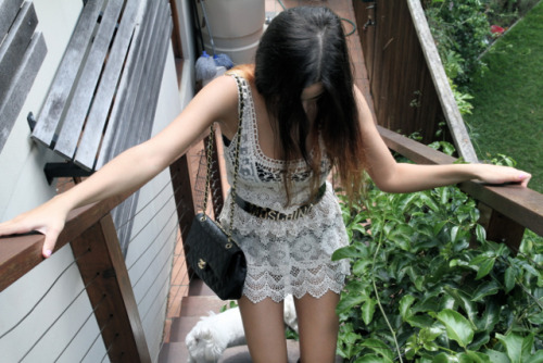 f-ruitylicious:  s-un-rise:  love this  love what she's wearing too