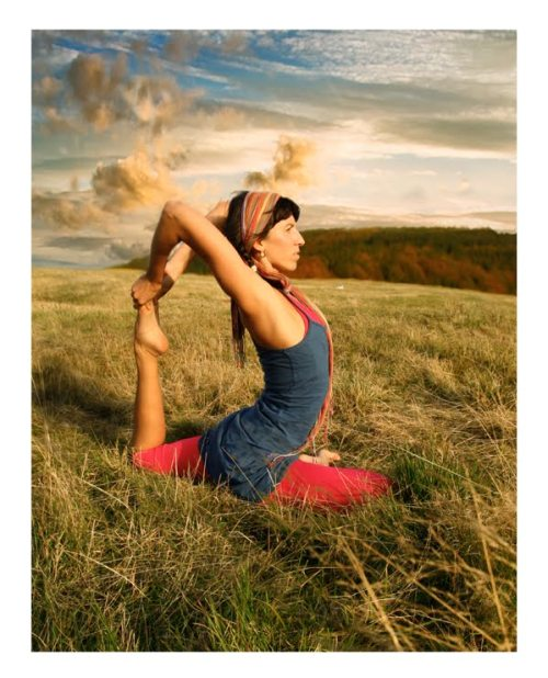 suhmrvns:  Yoga Pose of the Day Eka Pada Rajakapotasana - One-Legged King Pigeon Pose