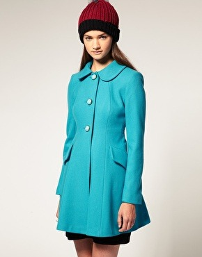 I can never resist turquoise. And this coat is on sale! (Reduced to $71.62). Perfect for spring isn't it? I'm a sucker for peter pan collars.