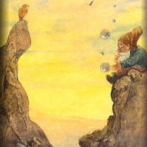 I love; Gnomes, bubbles & owls. This image reminds me of the beach.Taken with instagram