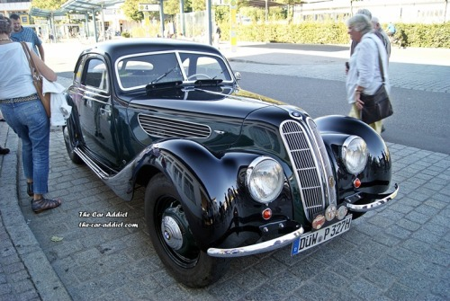 Lovely BMW 327