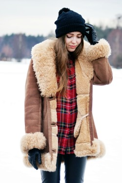 what-do-i-wear:  vintage coat | Motel shirt | DIY hat (image: fashionsalade)