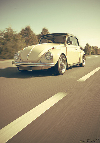 carpr0n:  Looking at an angel Starring: Volkswagen Beetle (by Vincent.B Photography)