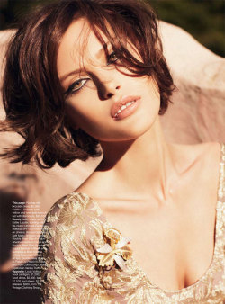 Vogue Australia, September 2010 photographer - Nicole Bentleymodel - Catherine McNeil