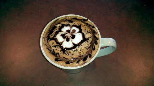 sweetcitydesserts:  Come have some of our beautiful lattes!