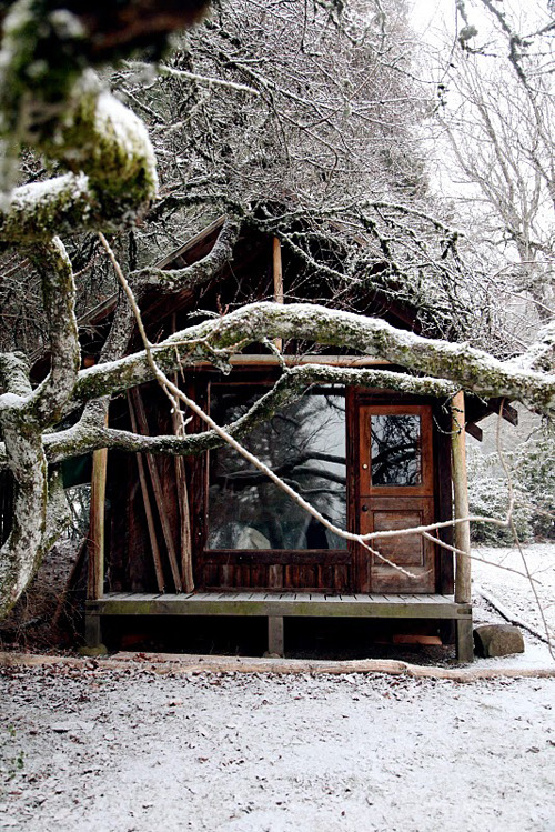 i'd quite like to be a hermit and live somewhere like this; think everything and everyone would be better all round