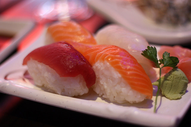 fortheloveofsushi:  Nigiri sushi by deathtiny42 on Flickr.
