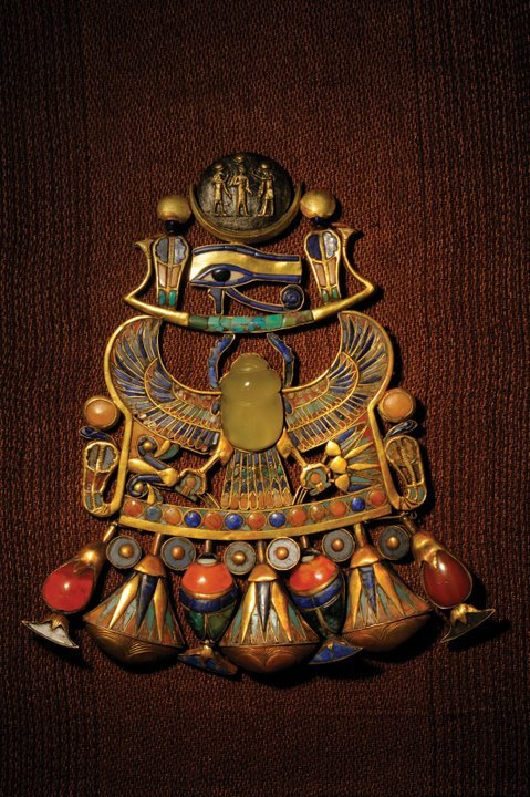 Pectoral with Solar/Lunar emblems and Scarab, XIIXth Dynasty, reign of  Tutankhamun (1332-1322 BC). Gold, silver, electrum, semiprecious stones.  Egyptian Museum, Cairo (by Kenneth Garrett ©  2008/National Geographic).