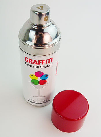 kitschyliving:  cocktail shaker