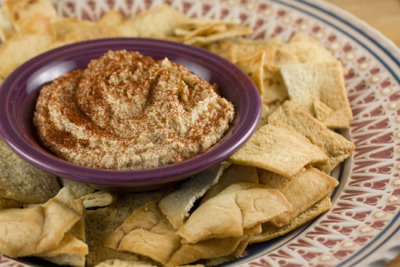 CASHEW DIP (via Macheesmo) Blogging for future reference.  Because I am a lover of all things dip/hummus-eque.  Also, because cashews are quite possibly my favorite nut… that is, if I had to choose.