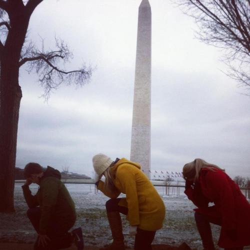 Tebowing at the Washington Monument #HappyTePresidentsDay