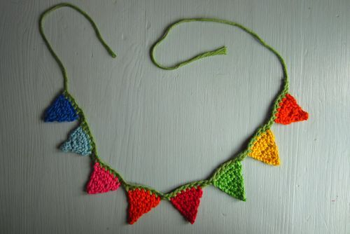 cajunmama:  (via Attic24: Mini Crochet Bunting Strings)