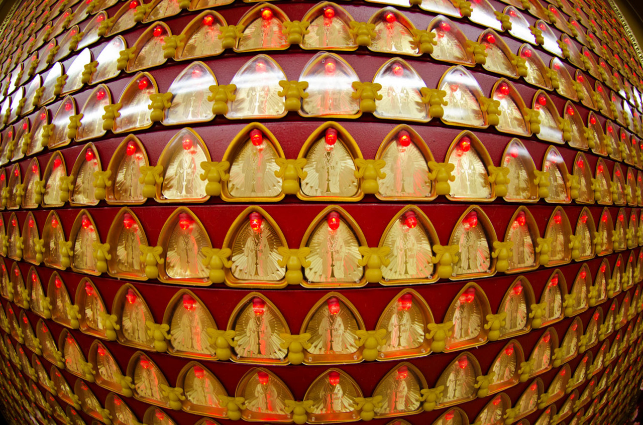 Million Buddhas at Chinese Temple CHINATOWN | MANHATTAN © CHRIS HYUN CHOI