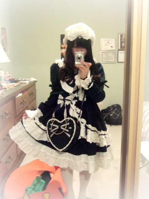 lolitahime:  Hmm this BABY dress was one of my first dresses ever back 2 years ago. Now that I look at it, it seems to be a bit too much lace/frills…Should I keep it? Too much lace/frills?