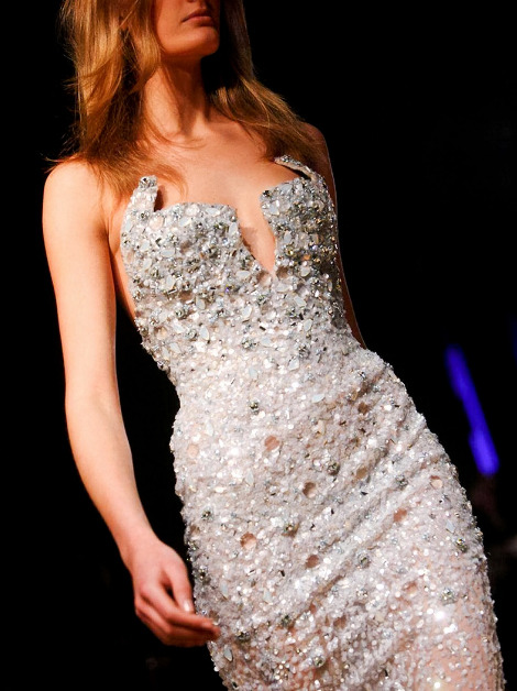 treshaute:   Details: Zuhair Murad, Haute Couture Spring/Summer 2012.   Would love to see someone where this to the Oscars