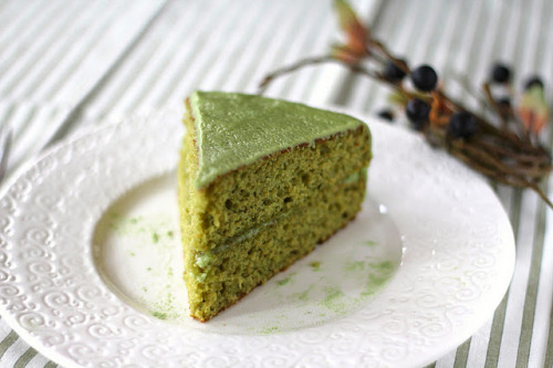 foodopia:  matcha almond layer cake: recipe here