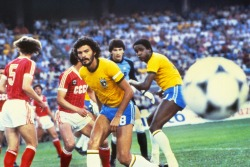 interleaning:  Socrates v USSR, 1982 World Cup.