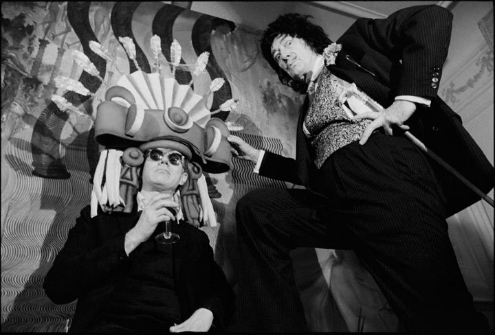 awesomepeoplehangingouttogether:  Andy Warhol and Salvador Dali