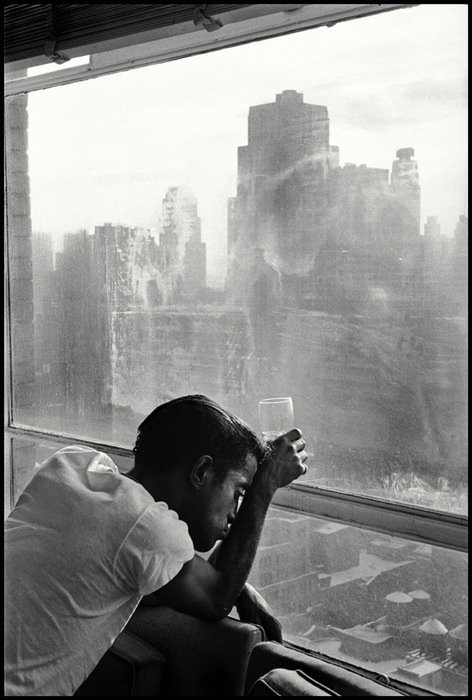 hollyhocksandtulips:  Sammy Davis, Jr. Photo by Burt Glinn, 1959