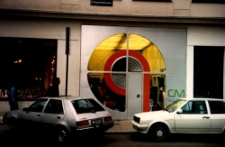 Christa Metek Shop, Vienna [arch. Hans Hollein] A little of the 60s still hangs in there.