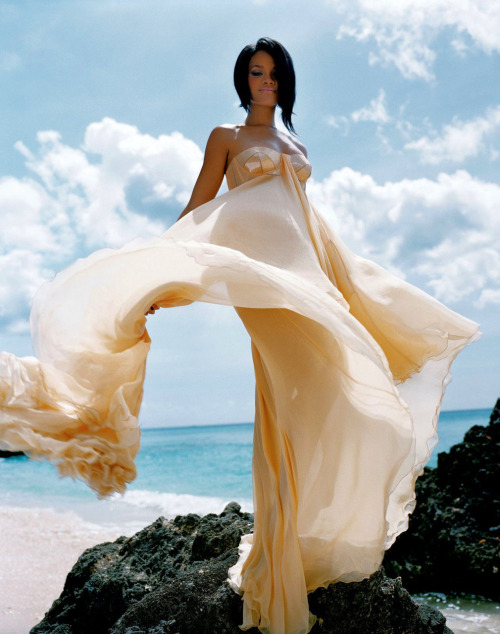 Rihanna by Anders Overgaard for Essence Magazine (June 2007) Editorial: Island Spice Dess: Versace (RTW S/S 2007)