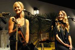 The Court Yard Hounds-  Emily Robison and Martie Maguire live at studio b. http://nonsensesensibility.com/blog/2012/01/the-court-yard-hounds/