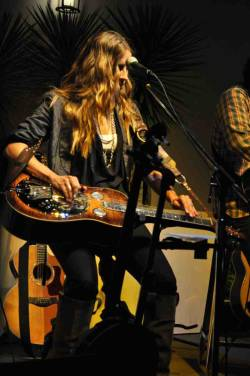 Emily Robison, founding member of the Dixie Chicks, performing live at studio b - The Court Yard Hounds: http://nonsensesensibility.com/blog/2012/01/the-court-yard-hounds/