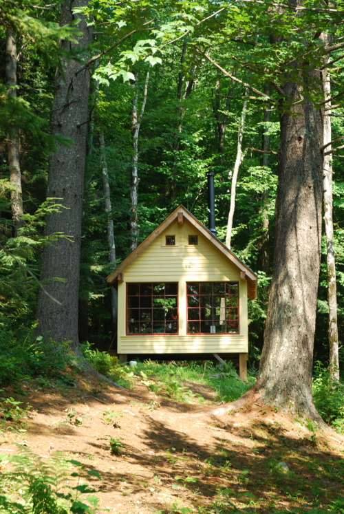 cabinporn:  Sleeping house in Tamworth, New Hampshire.  Built in 2008 by a father and son team from locally milled lumber.  Submitted by Charlie Myer.
