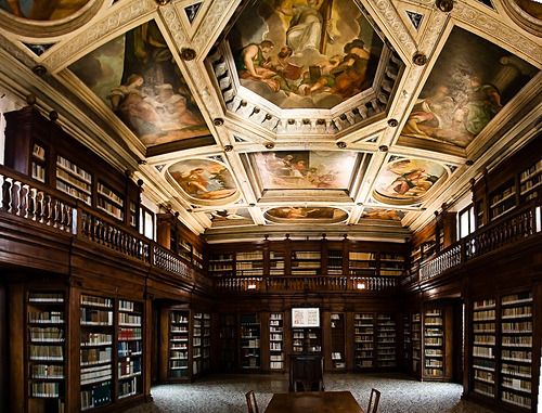 The amazing library of Praglia benedectine convent by the hills of Padua