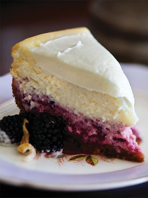 lylaandblu:  bake / lemon-blackberry cheesecake.
