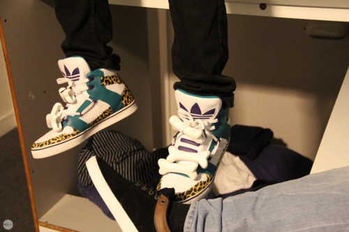 Niggas In London - Adidas JS Bones