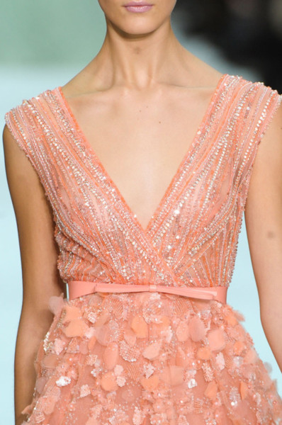 sparklesandconfetti:  sparklingandconfetti: this dress is stunning
