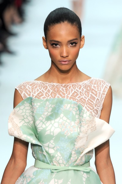 glamour:  Major lashes at Elie Saab spring 2012 couture. Photo: Fairchild Archive