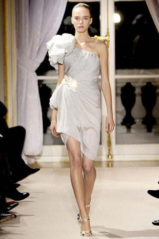 Daria Strokous for Giambattista Valli – Spring 2012 Couture - Paris