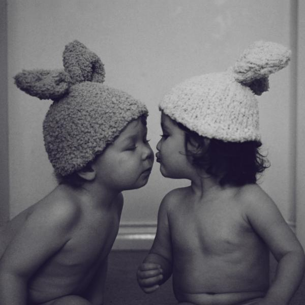 Ahh, they all make my heart melt~  Children's Photography by Ireland based photographer Monika Zborowska.  Being a mother, Monika has a real passion for photography and loves kids,  children, art. she's committed to children's photography on a daily  basis.