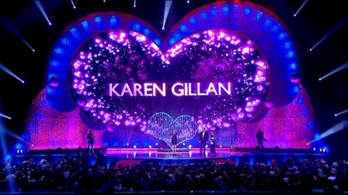 doctorwho:  such-heights:  Karen Gillan wins the National Television Award for Female Best Drama Performance.  marriedinspace:  #karen gillan #ntas #the way her name looks in my head all the time   oh man, that is adorable! I would want to win one of these awards just to see my name lit up in a giant, glittery heart!