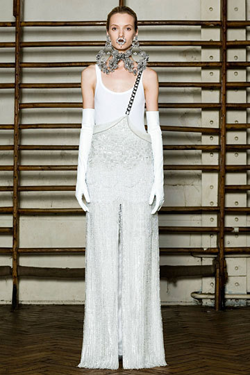 Givenchy Couture… doing spectacular things as always Spring 2012