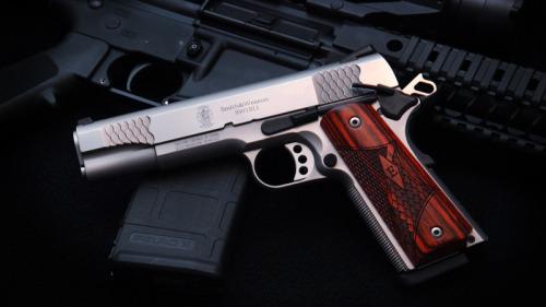 gunrunnerhell:  Custom Smith & Wesson SW1911 (About as customizable as the AR rifle platform, the 1911 has a long standing history among military and civilian shooters.)