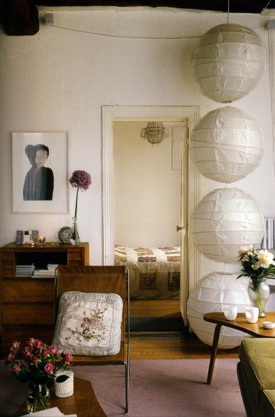 thisivyhouse:  Paper lanterns make a statment
