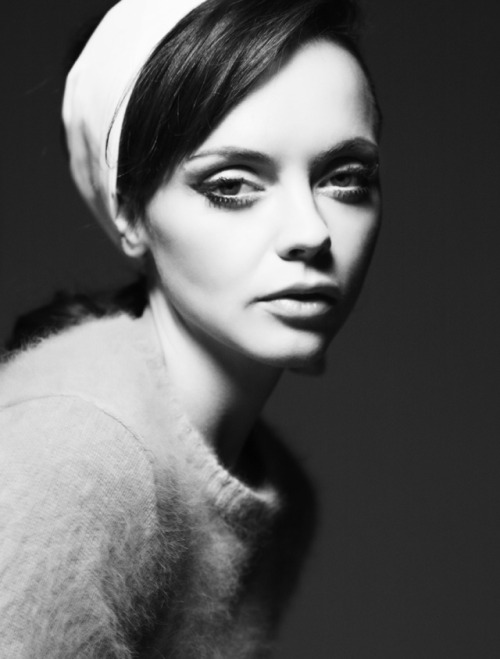 oystermag:  Christina Ricci shot by Gregory Harris for Oyster #97 read our interview here. Christina wears Cerruti top, Yestadt headscarf.