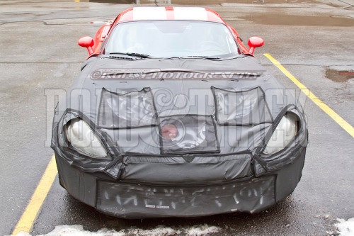 A showdown looms between the new 2013 SRT Viper and the C7 Corvette. (Source: Road & Track)