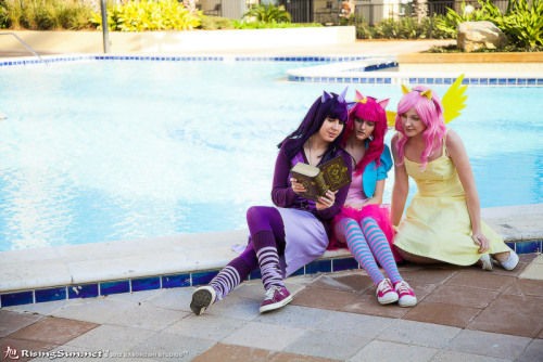 A cute shot of our pony cosplays from Sukoshicon. (Also, two out of three ponies like to wear stripey socks from Sock Dreams.)