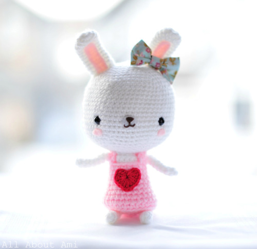 Sneak peek of upcoming Valentine amigurumi: Sweetheart Bunny