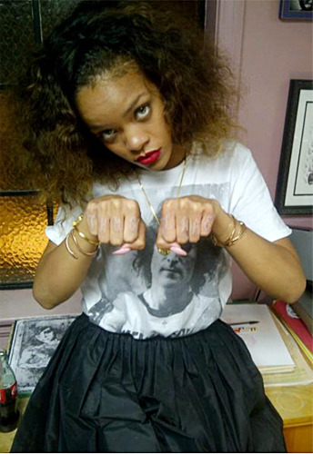 rihannas new knuckle tattoo