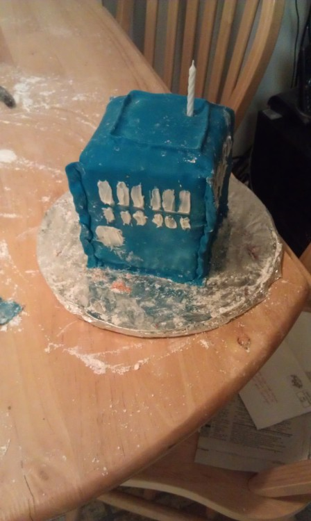 WHO failed at a Dr. Who cake? Me. *facepalm*