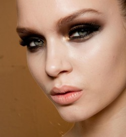 amourphysique:  Haute Couture S/S 2012/13 - Versace Make-up: Pat McGrath